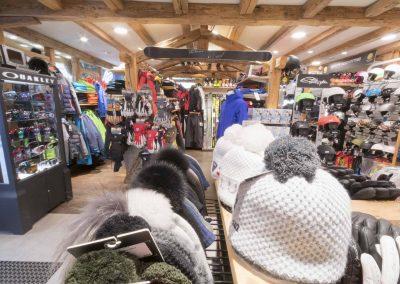 sport-boutique-ski-la-clusaz-14