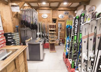 sport-boutique-ski-la-clusaz-16