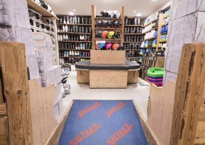 sport-boutique-ski-la-clusaz-17