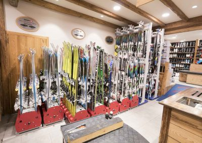 sport-boutique-ski-la-clusaz-19