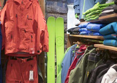 sport-boutique-ski-la-clusaz-27